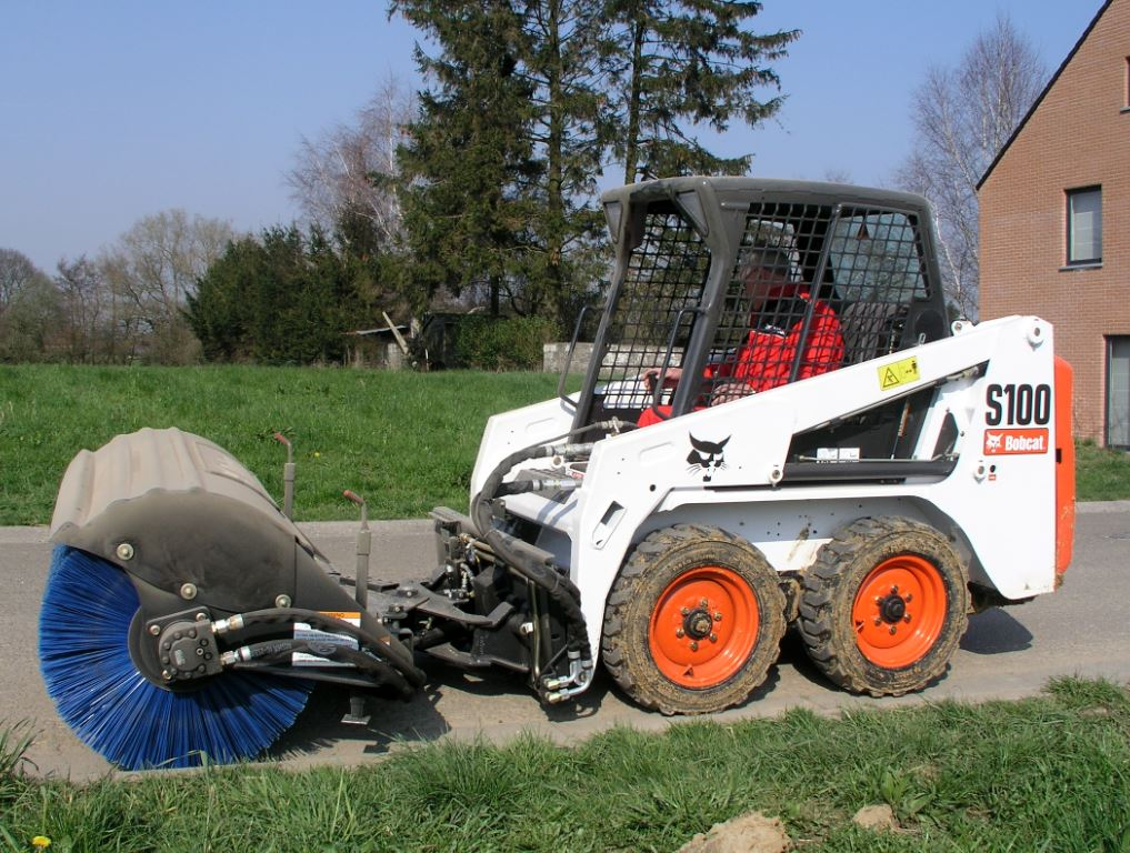 Bobcat S100 in action. This is one piece of equipment sold by FTD in Essex and Suffolk.