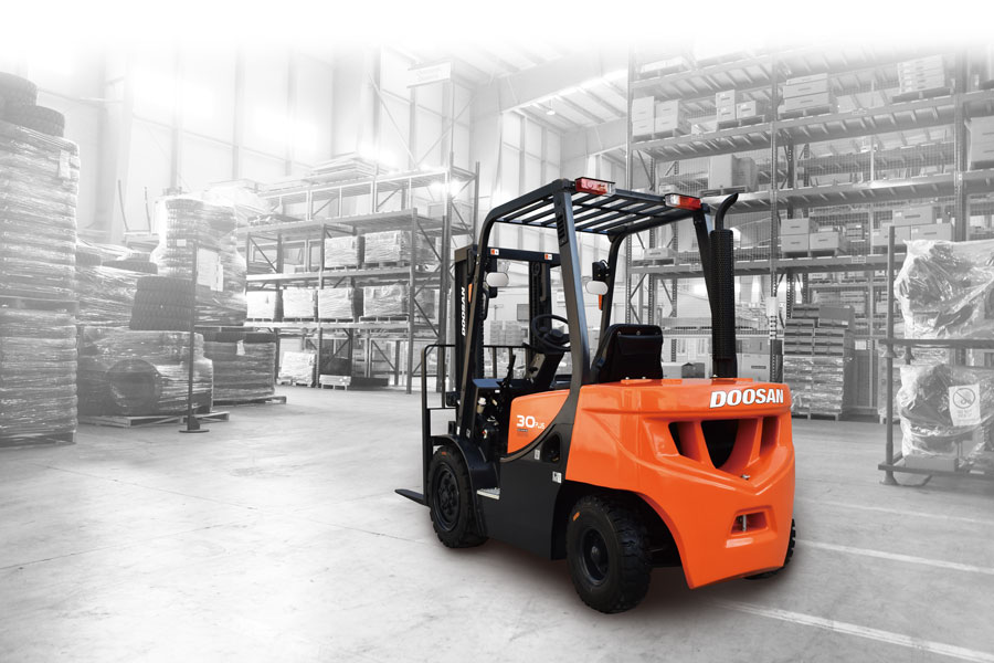 doosan forklift in action in Haverhill