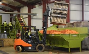 How fork lift trucks can benefit the farming and agriculture industry - Fork Truck Direct